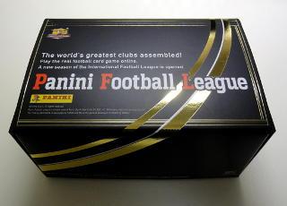 PFL アザールの限定カードとストレージBOX付のスターターセットを買いました